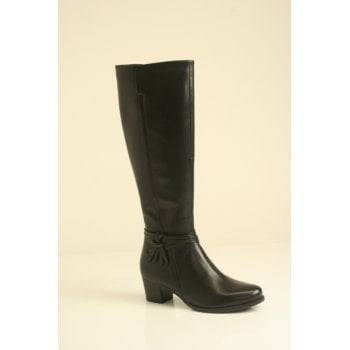Caprice Black leather boot with slim calf fitting