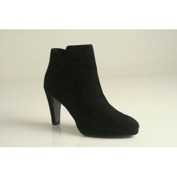 Caprice black suede leather heeled ankle boot   (NT27)