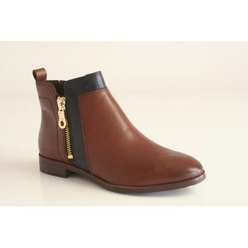 Caprice cognac leather ankle boot with navy trim (NT B21)