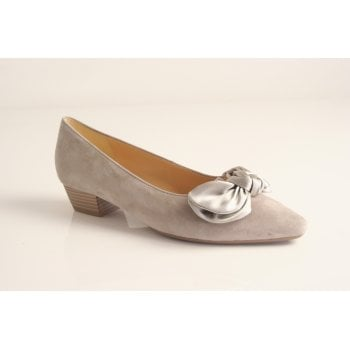 Gabor style 'Oceana' taupe suede leather court   (NT23)