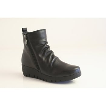 Paula Urban black leather ankle boot with ruched detail