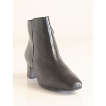 Peter Kaiser 'Tina' Premium Polished Black Leather Zip-Up Ankle Boot (NT B18)